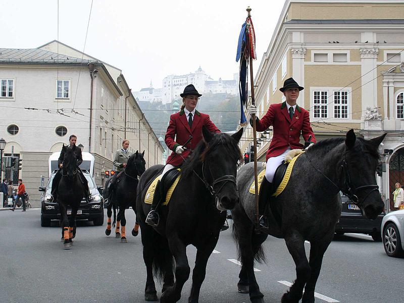 Salzburg-Cityguide - Fotoarchiv - 024_umzug.jpg