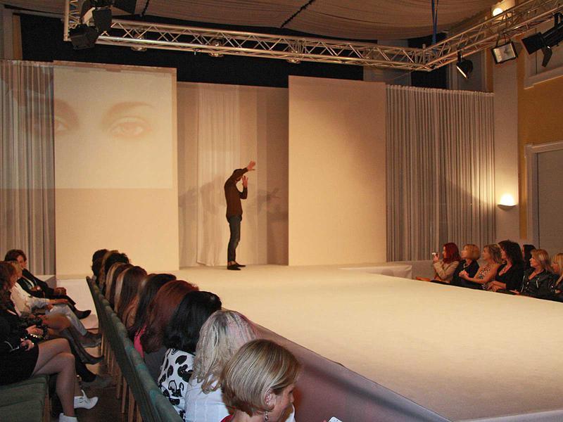 Salzburg-Cityguide - Foto - 11_06_30_wow_fashionshow_uwe_311.jpg