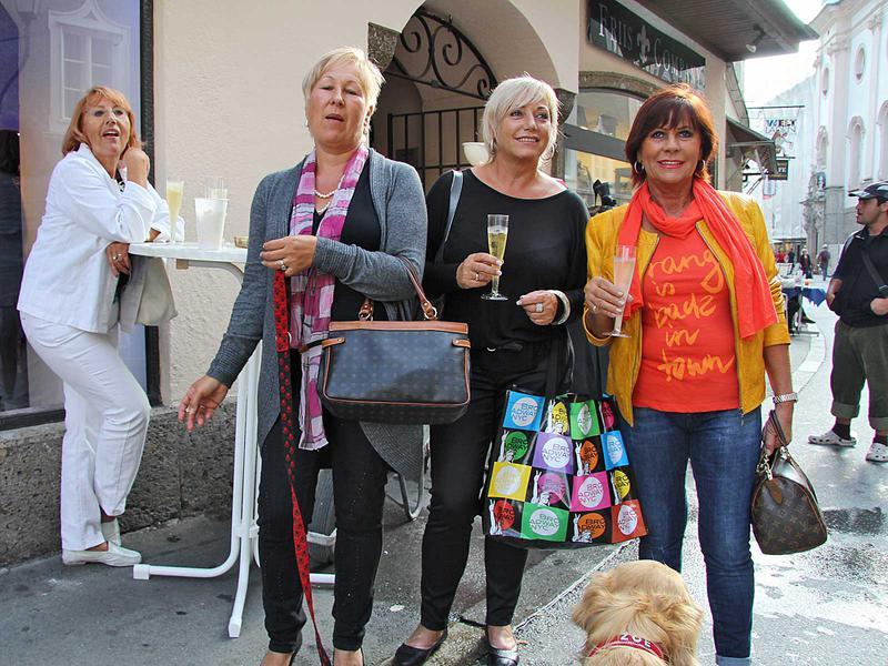 Salzburg-Cityguide - Foto - 15_09_2011_broadwaynycfashioneroeffnung_003.jpg
