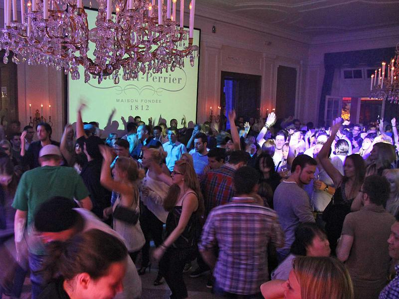 Salzburg-Cityguide - Foto - mtv 02 hauptstadt club guests tp