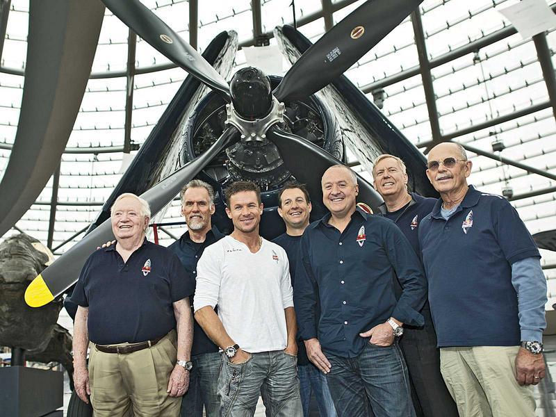 Salzburg-Cityguide - Fotoarchiv - red-bull-stratos-team-hangar-7-_c_-joerg-mitter-red-bull-content-pool.jpg