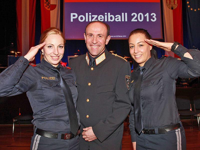 Salzburg-Cityguide - Fotoarchiv - 13_02_02_polizeiball_neumayr_000.jpg