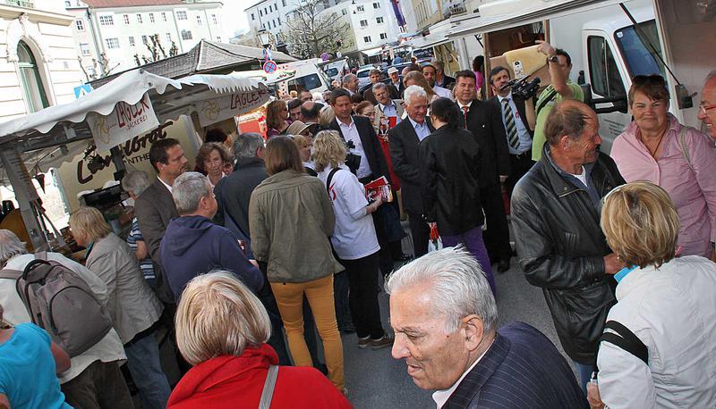 Salzburg-Cityguide - Foto - 13_04_18_team_stronach_uwe_001.jpg