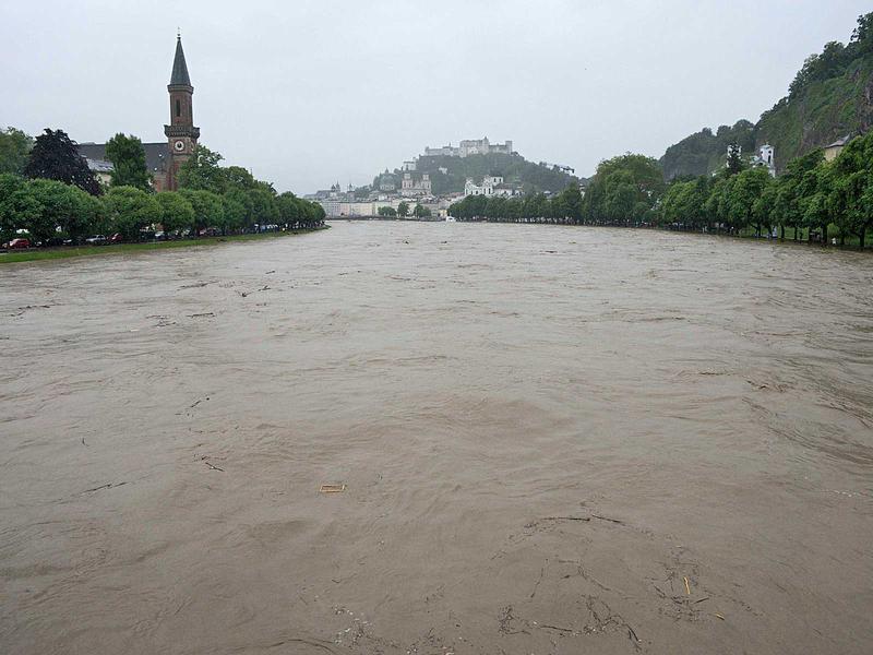 Salzburg-Cityguide - Fotoarchiv - 13_06_02_hochwasser_robert_000.jpg
