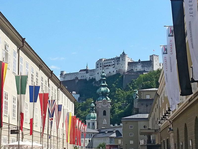 Salzburg-Cityguide - Foto - ausblick-festspielhaus.jpg