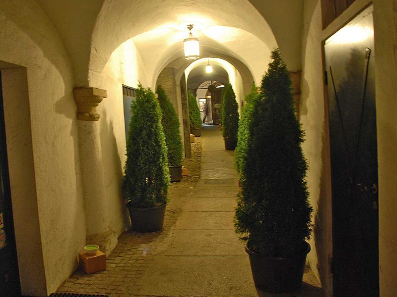 Salzburg-Cityguide - Foto - 13_11_28_punsch_pop_up_hermann_004.jpg