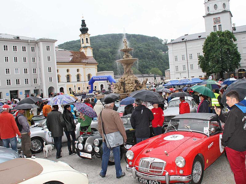 Salzburg-Cityguide - Foto - 140529_gbr_2014_residenzplatz_uwe_001.jpg