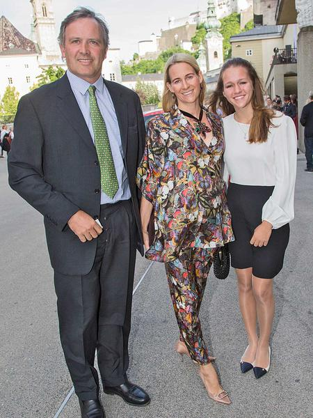 Salzburg-Cityguide - Foto - premierelacenerentola0506201401.jpg