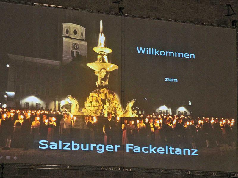 Salzburg-Cityguide - Fotoarchiv - 140718_salzburger_fackeltanz_uwe_001.jpg