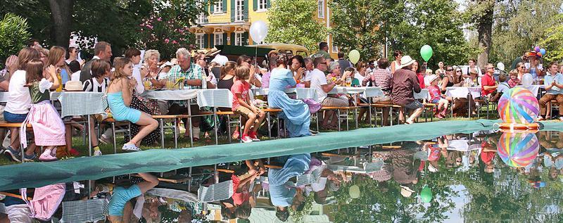 Salzburg-Cityguide - Foto - 140810_goessl_dirndlflugtag_g_000.jpg