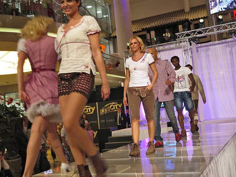 Salzburg-Cityguide - Foto - 140918_pluscity_galashow_fashionshow_001.jpg