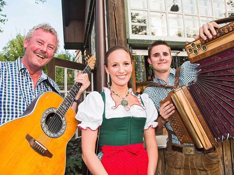 Salzburg-Cityguide - Foto - kuenstlerfest12072015000.jpg