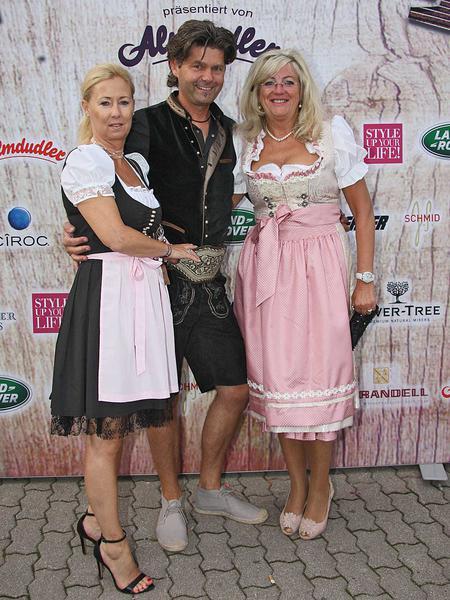 Salzburg-Cityguide - Foto - 150731_almrauschparty_2015_wall_001.jpg