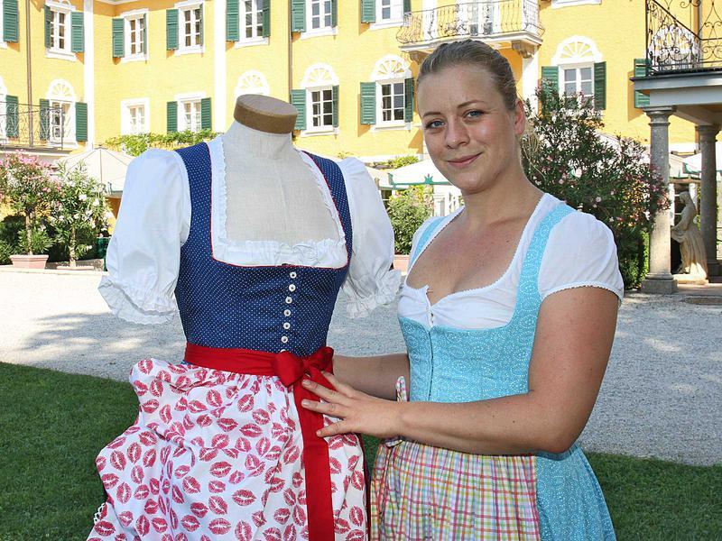Salzburg-Cityguide - Foto - 150809_goessl_dirndlflug_i_001.jpg