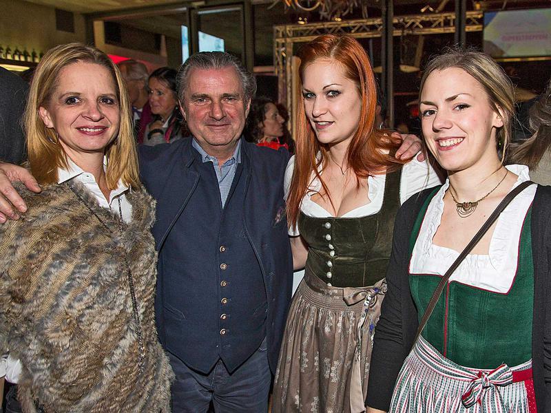 Salzburg-Cityguide - Foto - 2016tc_premiere_gipfeltreffen_00.jpg