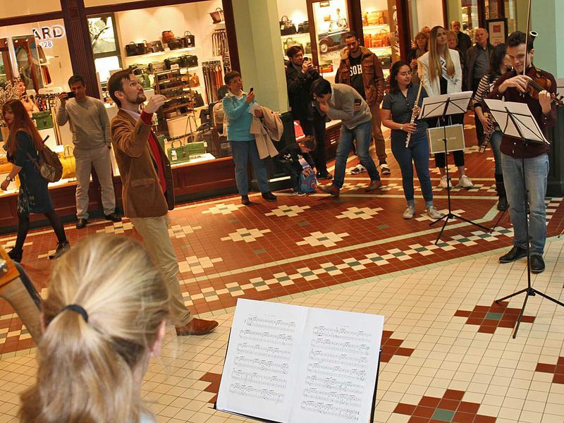 Salzburg-Cityguide - Foto - 170422_flashmob_msc_uwe_001.jpg
