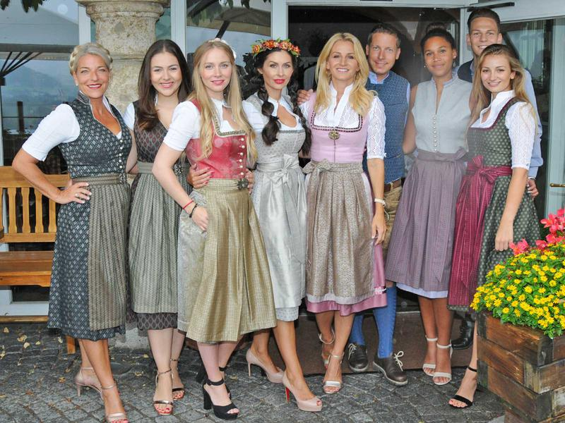Salzburg-Cityguide - Fotoarchiv - alpenherz-designerin-sandra-abt-mit-models_02.jpg