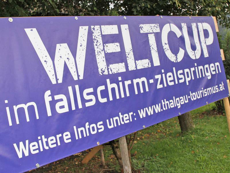 Salzburg-Cityguide - Fotoarchiv - 180908_fallschirmweltcup_hsvredbull_uwe_001.jpg