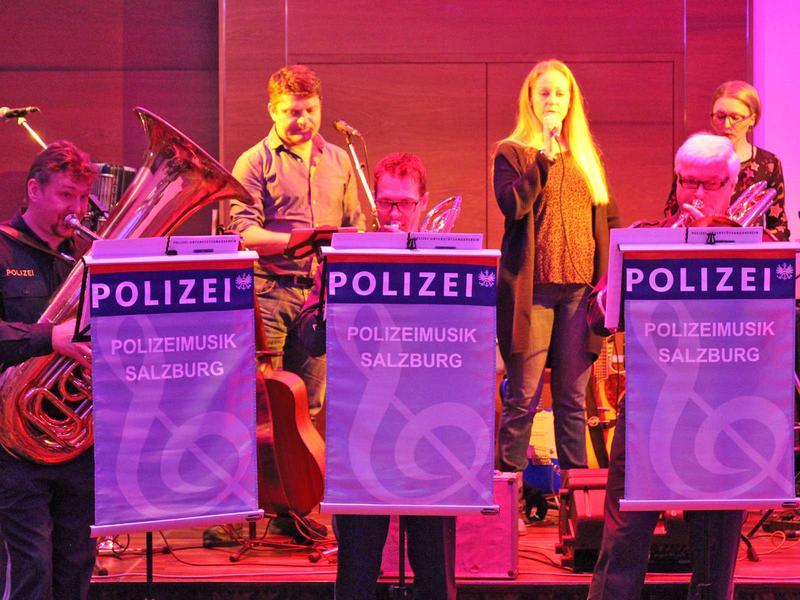 Salzburg-Cityguide - Foto - 190223_polizeiball_uwe_001.jpg