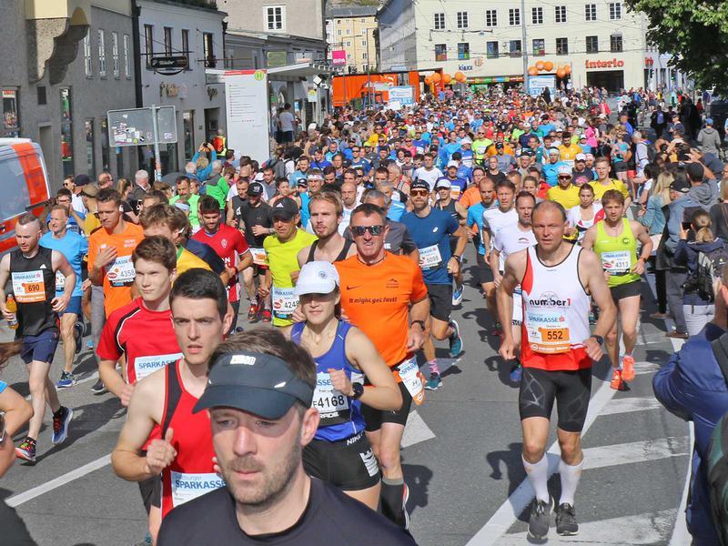 Salzburg-Cityguide - Foto - 190519_sbg_marathon_start_uwe_000.jpg