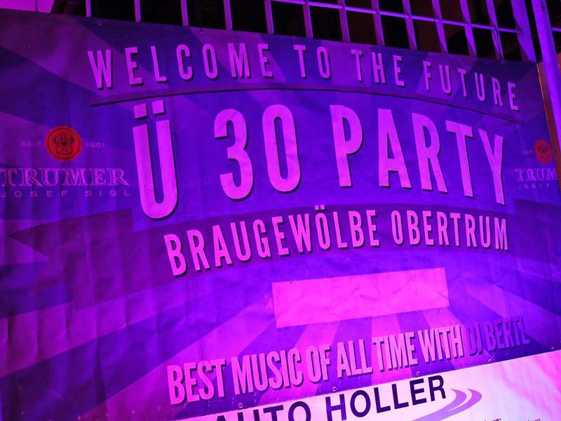 Salzburg-Cityguide - Foto - 191005_ue30_party_39_uwe_006.jpg