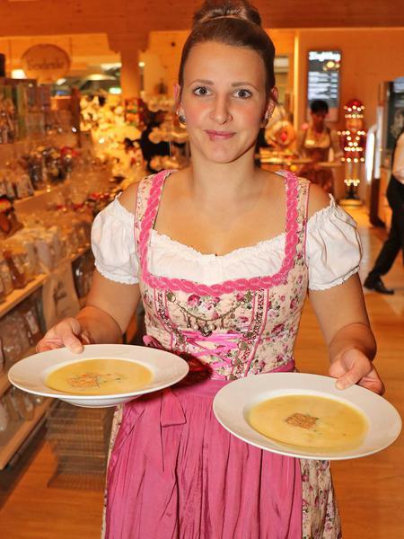 Salzburg-Cityguide - Foto - 191112_gutaiderbichl_vip_uwe_001.jpg
