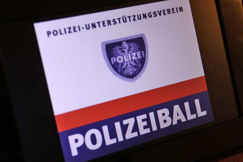 Salzburg-Cityguide - Fotoarchiv - 20200215_polizeiball_uwe_001.jpg