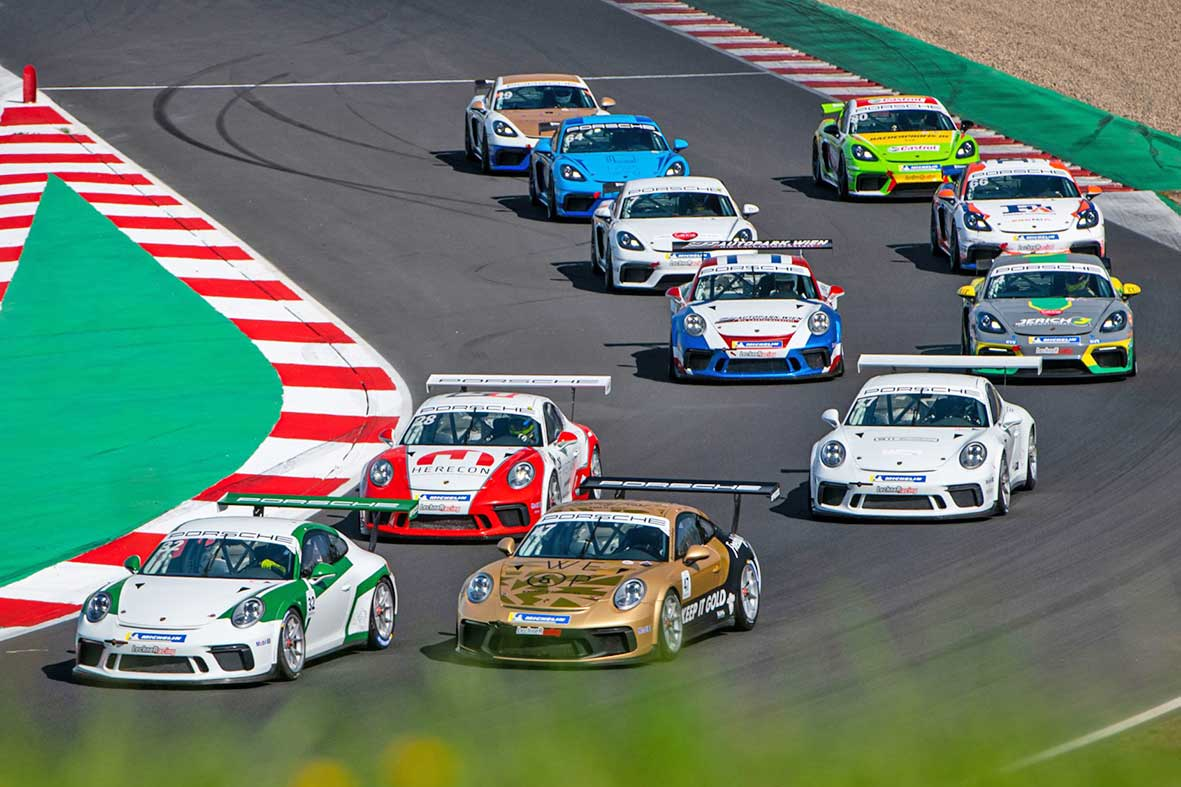 Salzburg-Cityguide - Fotoarchiv - Race-1-grid-formation—Credit-Michael-Jurtin-PSCCE