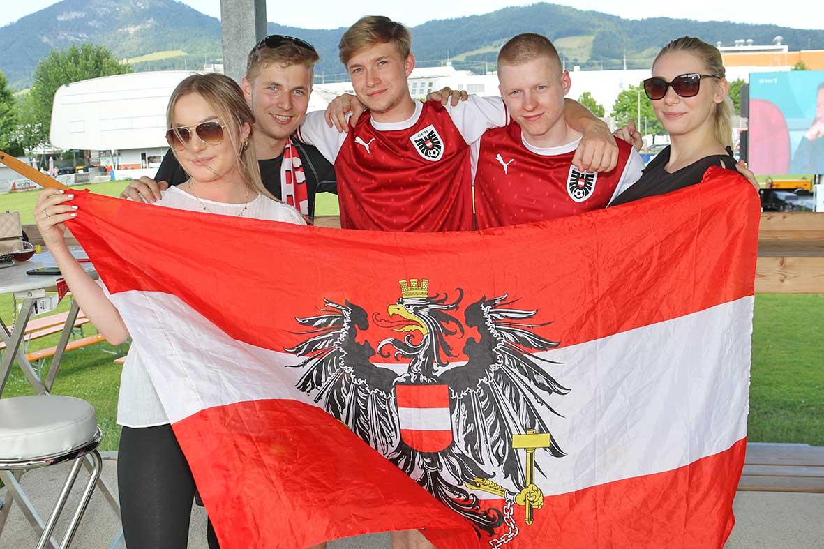 Salzburg-Cityguide - Foto - 210621_PV_Oesterreich_Ukraine_Uwe_000