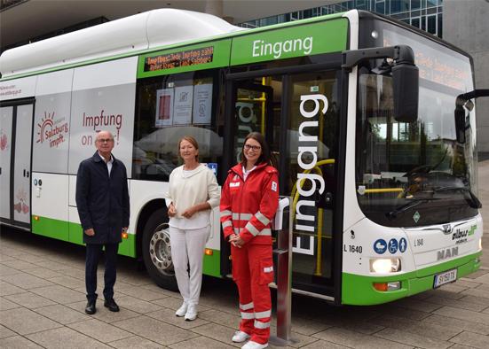 Salzburg-Cityguide - Newsfoto - OK_LandSalzburgImpfbus_Schulimpfaktion